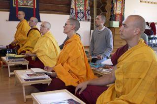 Аббатство Шравасти - Монашеская жизнь