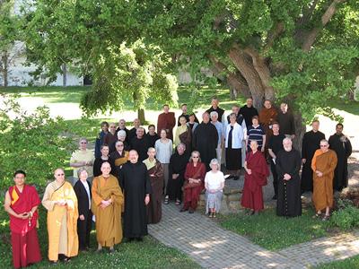 Участники Второй Гефсиманской Встречи (фотография Urbandharma.org)